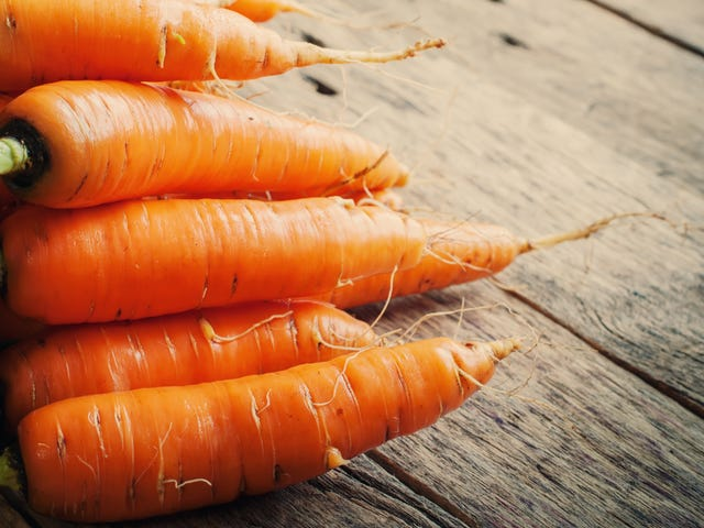 Carrot reunites woman with long-lost ring