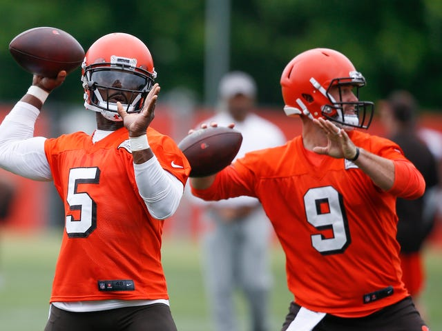 Hue Jackson Tries To Motivate Browns By Inadvertently Making Their Helmets Look Cooler