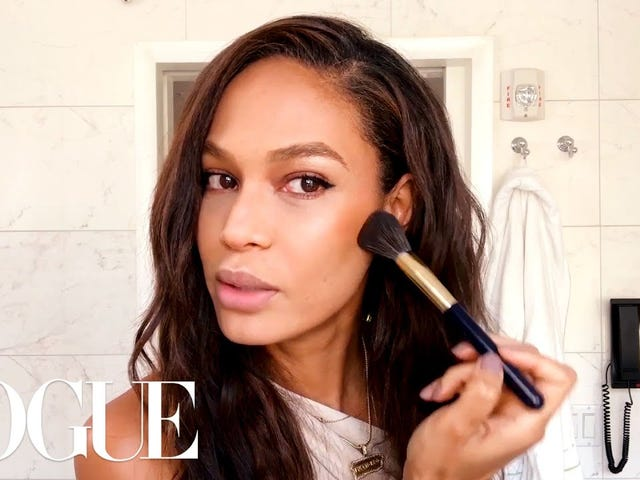The Shade: Cut Out the Hard Contour and Get Into Some Subtle Sculpting with Joan Smalls