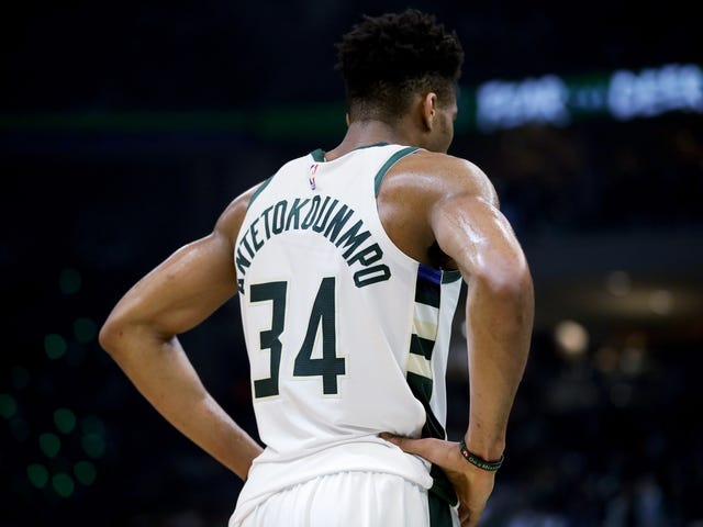 """Giannis Antetokounmpo Is Ready To """"Think Like A Guard"""" Again"""