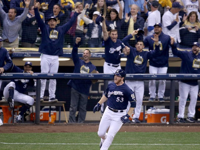 Brewers Reliever Brandon Woodruff Bonked A Huge Dinger Off Clayton Kershaw