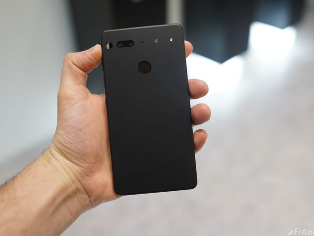 Essential PH-1 review: the cheap-as-hell, almost-flagship hotness