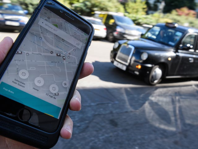 London Is Charging Uber Users a Clean Air Fee So Drivers Can Swap to Electric Cars