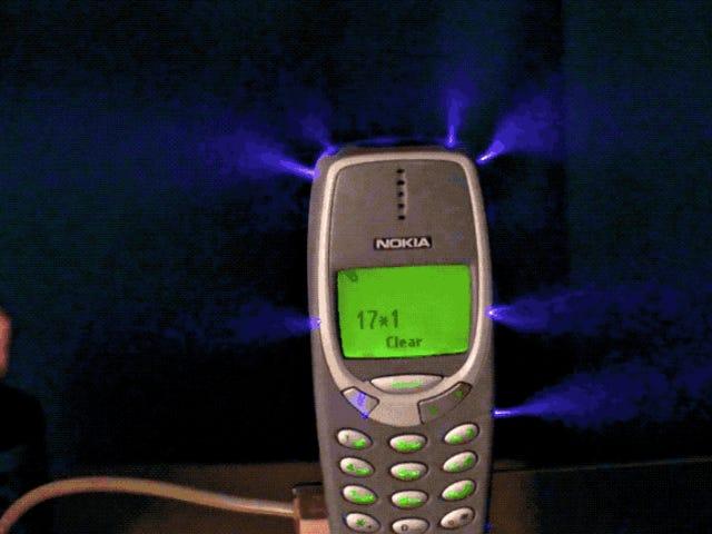 Carga un Nokia 3310 med en million volumen.  Sigue funcionando