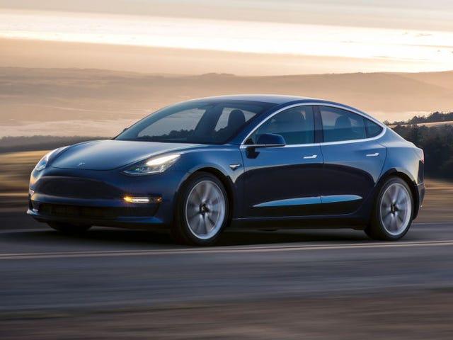 Tesla elevará precio de toos del autos del part 18 marzo (en undtagelse fra uno)