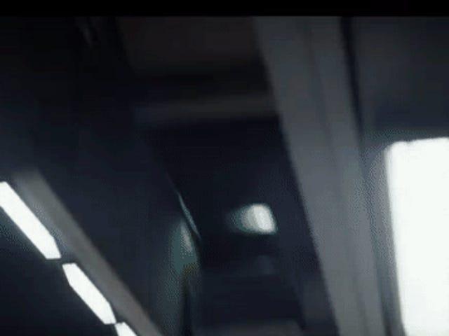 デススターは銀河系で最も印象的な公共交通システムを持っています