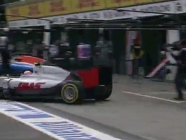 Backmarker Collide In The Pits Sebelum Race F1 Pertama 2016 Bahkan Dimulai