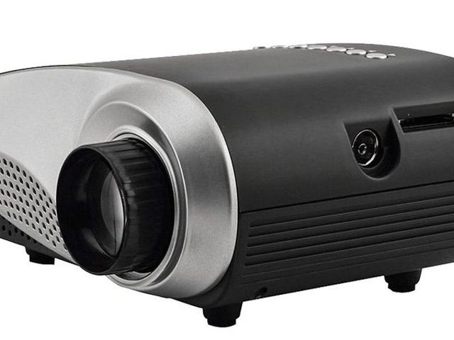Ottieni il mini proiettore portatile LED SainSonic a soli $ 54,99