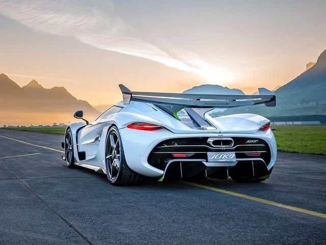 Koenigsegg ve Bugatti Hala Pasif-Agresif Çöplerle Konuşuyor