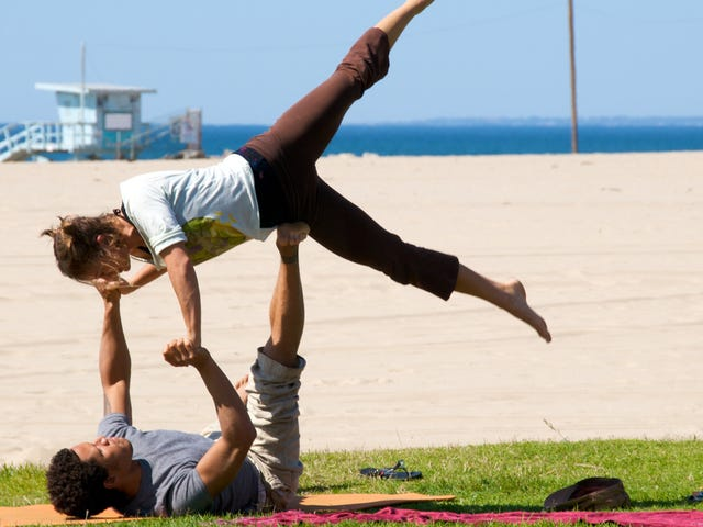 The Best and Worst Workouts to Do As a Couple