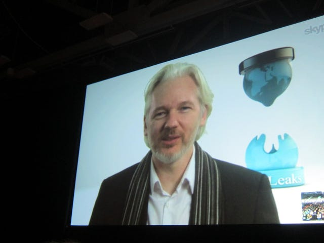 Si Julian Assange ay Dapat Itanong ng mga Suweko na Awtoridad sa Kanyang Panic Room ng London