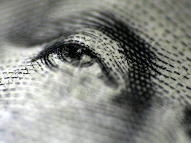 Første skritt for å overvinne penger angst står overfor dine egne økonomier