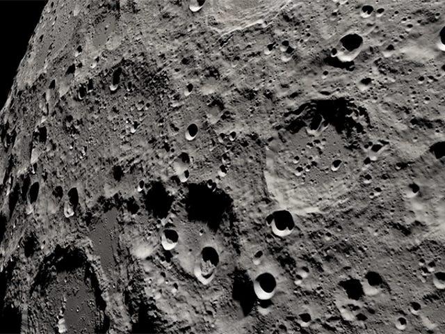 NASA gjenskapte det Apollo 13 astronauter så mens de sirklet rundt månen i en strålende 4K-visualisering
