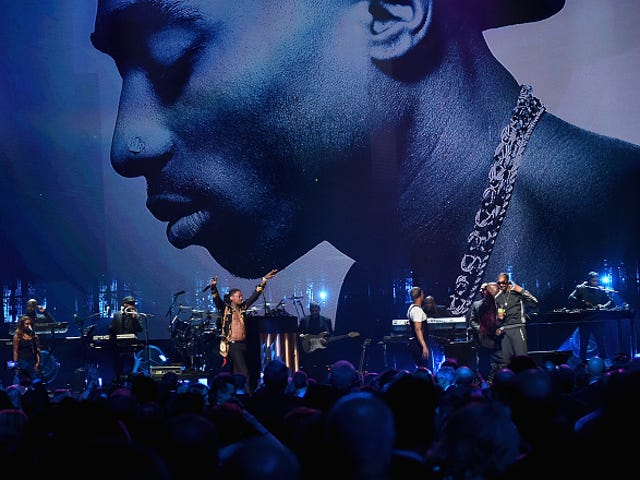 2Pac Back! Snoop, T.I., Alicia Keys Pay Respect at Late Rapper's Rock Hall of Fame Induction
