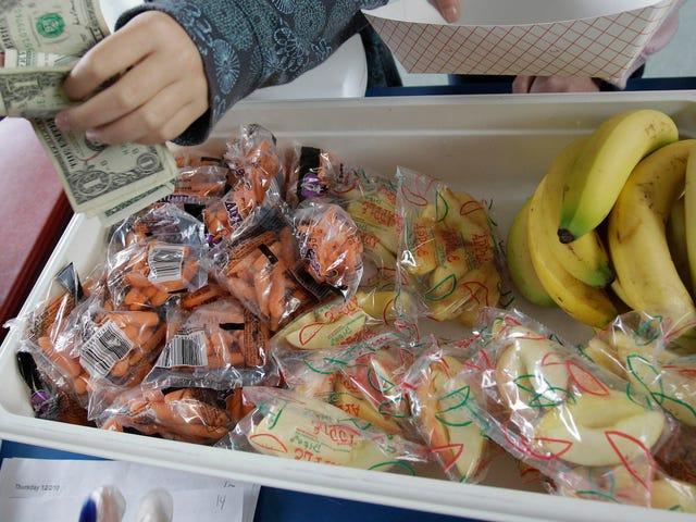 Il distretto scolastico della PA minaccia di chiamare l'affido per i genitori che non pagano il debito del pranzo dei bambini