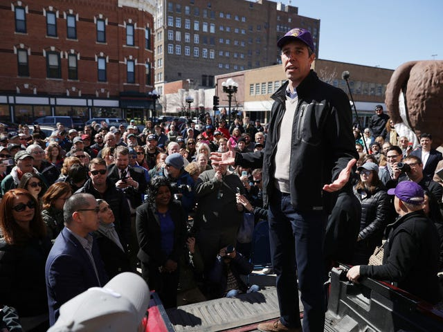Beto O'Rourke Acknowledges White Privilege in Iowa