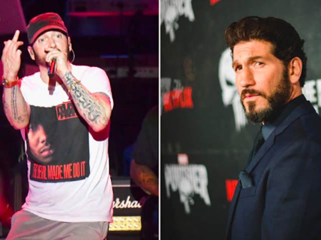 Eminem seppellisce l'ascia con il vecchio rivale, The Punisher, sbattendo Netflix per aver cancellato il suo spettacolo