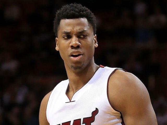 Chỉ cần ba cầu thủ NBA châu Âu, pha trò và đốt cháy Hassan Whiteside