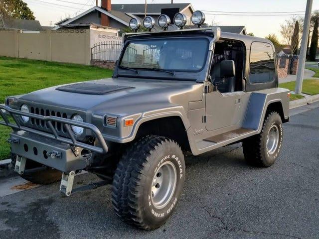 Với mức giá 7.500 USD, chiếc xe Jeep YJ Hồi Landrunner này năm 1991 này có phải là người mua không?
