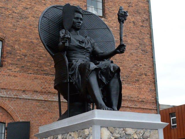 Soy Queen Mary, el primer monumento público de Dinamarca que honra a una mujer negra, recuerda a un rebelde feroz