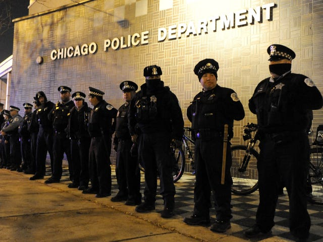 Illinois Sues to Bring Police Reform to Chicago, Despite White House Resistance