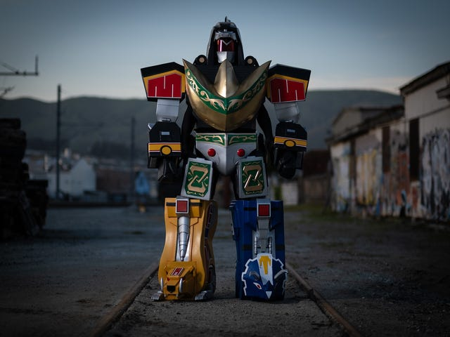 Power Rangers Cosplay Is Here To Crush Cities