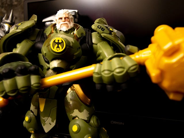 Hasbro's New Overwatch Figure Shows Off Reinhardt's Pretty Face