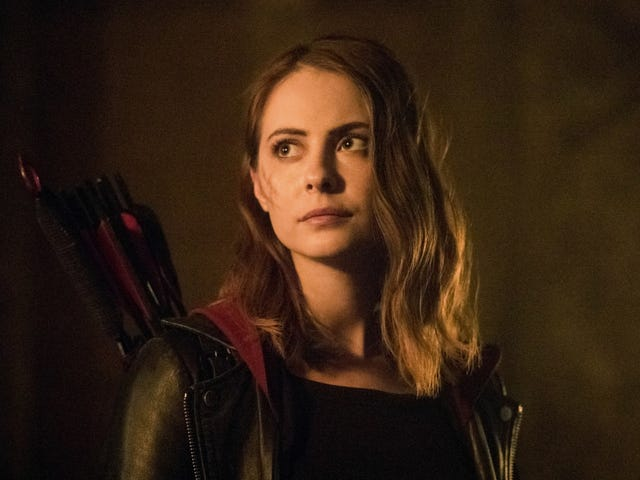 Arrow tar tillbaka två fantastiska karaktärer och testar en ny twist