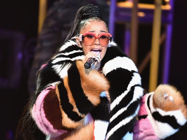 """Cardi B unloads on Trump and the government shutdown: """"Our country is in a hellhole right now"""""""