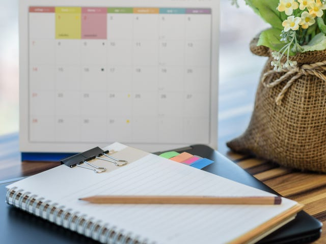 What Is a Weekly Review and How Can You Get the Most Out of It?