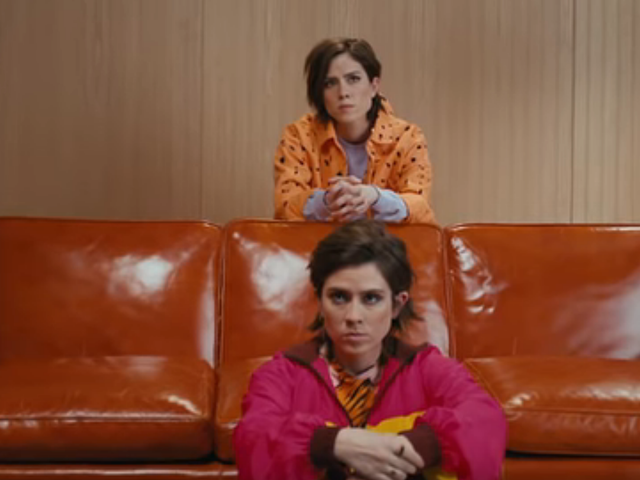 Tegan And Sara go back to the '90s—in more ways than one—for their new video