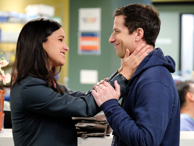 "Brooklyn Nine-Nine calls on the power of ""structured debate"" during Jake and Amy's ""Casecation"""