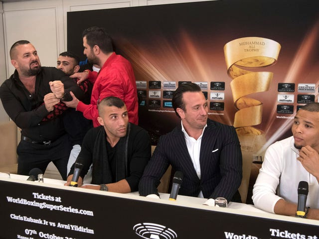 """Boxing Manager Melts Down At Press Conference: """"I Fuck Your Wife! In Your Bed!"""""""