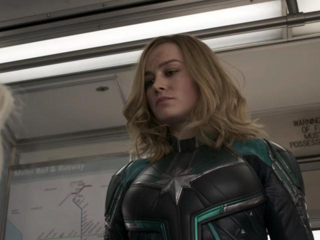 Kapitän Marvel ist gelandet und sie sollte wirklich einen Pferdeschwanz in Betracht ziehen