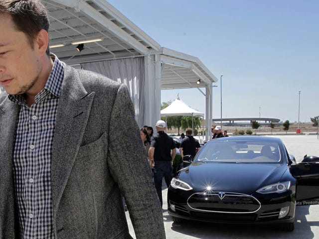 Elon Musk Is Being Sued by Shareholders for Tweeting About Taking Tesla Private