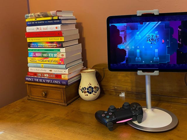 Quell your Animal Crossing FOMO by Turning Your iPad Into a Mini Console