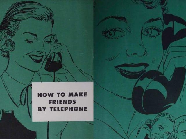Este extraño manual de 1950 enseñaba a la gente cómo hablar por telekono con buenos modales