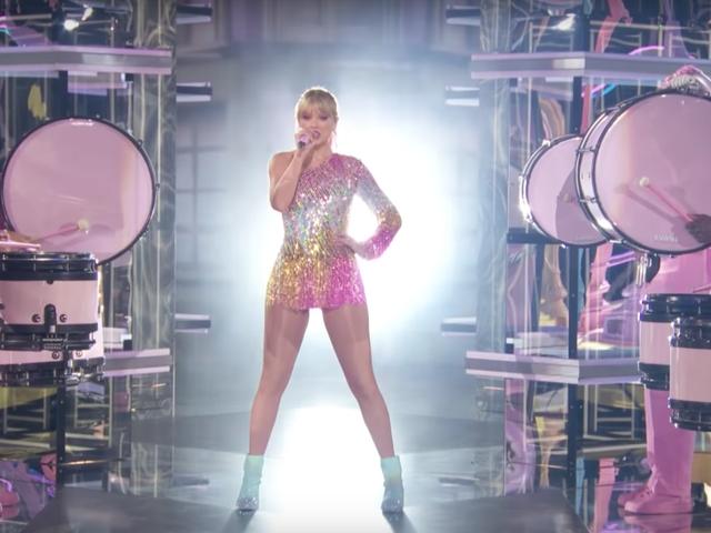"""Όταν ο Taylor Swift είπε 'ME!'  Μήπως σημαίνει """"Beyoncé"""";"""