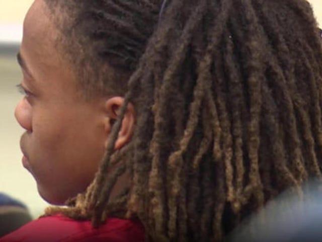 Un étudiant du Texas a dit de couper ses dreadlocks s'il voulait marcher à la remise des diplômes