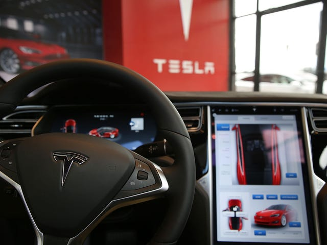 Tesla Hires Apple Veteran To Run Autopilot Team