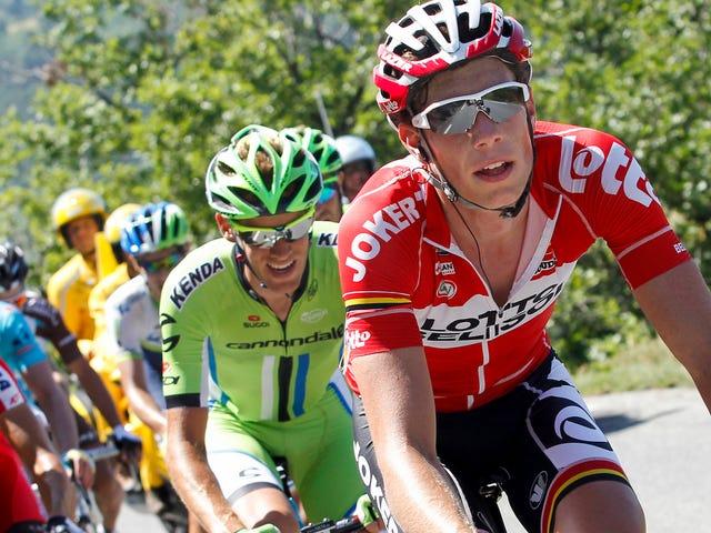 Pro Cyclist Yarış Sırasında Motosiklet Tarafından Koştu Sonra Coma'da Bildirildi