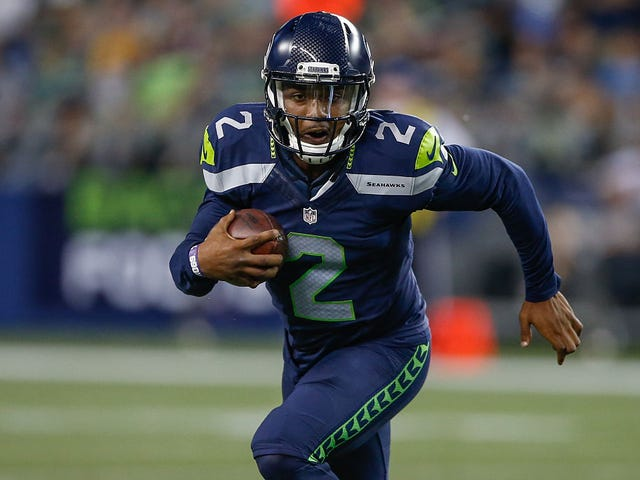 Seattle Seahawks QB Arrested After Car Crashes Into Bar