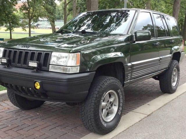 À 8 200 $, est-il grand temps que quelqu'un achète cette Jeep Grand Cherokee 1995 levée?