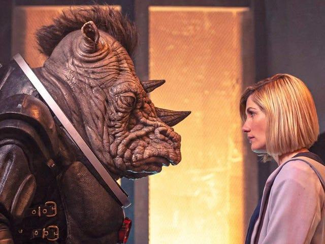 Cái nhìn đầu tiên của chúng tôi về Doctor Who mùa 12 tiết lộ sự trở lại của một kẻ thù quen thuộc (và một con chó cái Mohawk)