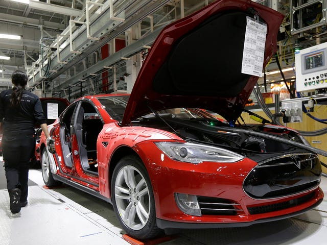 Tesla Employee Claims It's Still Preventing Union Organizing