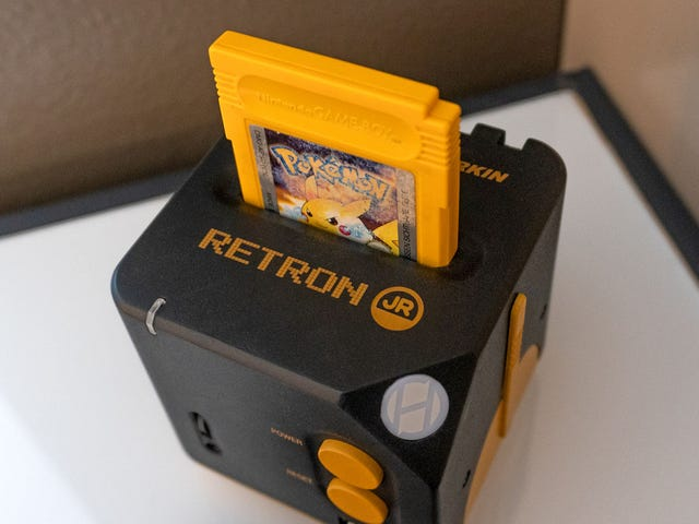 RetroN Jr è una console che ti consente di giocare a qualsiasi gioco Game Boy sulla tua TV moderna