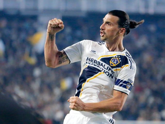 """Zlatan Ibrahimovic, Hat-Trick'in Skoruna LAFC Antrenörü Bob Bradley'i """"Küçük Kaltak"""" diyor."""