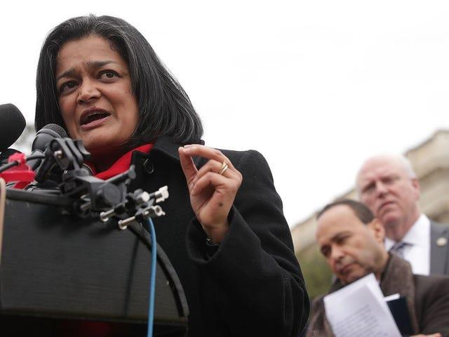 3 Demokraci wzywają Kongres do potępienia trumpu nad jego haniebną odpowiedzią na Charlottesville