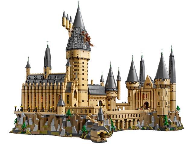 I Hope I Get an Acceptance Letter to Lego's New 6,020-Piece Hogwarts Castle Set