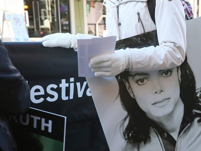 Michael Jackson Estate exige une réunion avec HBO et appelle «honteux» de Leaving Neverland